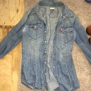 Jean distressed button-up